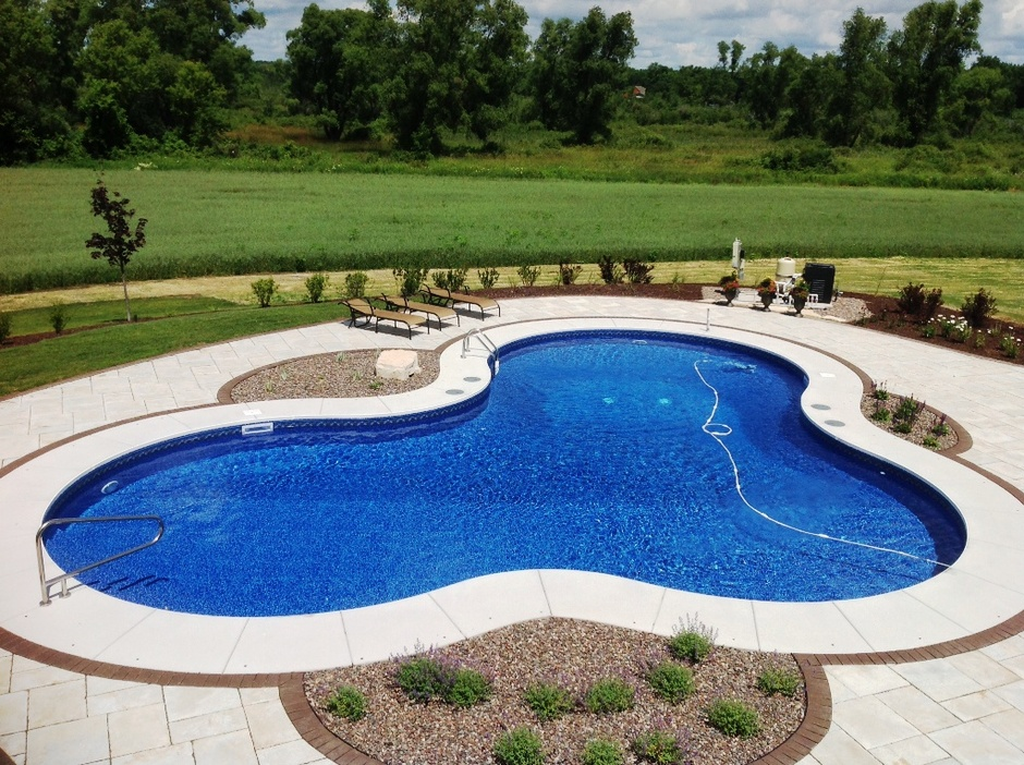 Custom Freeform Pool In Waukesha