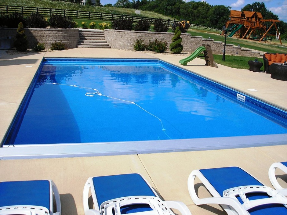 Emejing vinyl pool designs pictures decoration design for Vinyl swimming pool